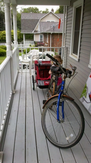 My rusty old Jessica Fletcher bike and my brand new bike trailer!